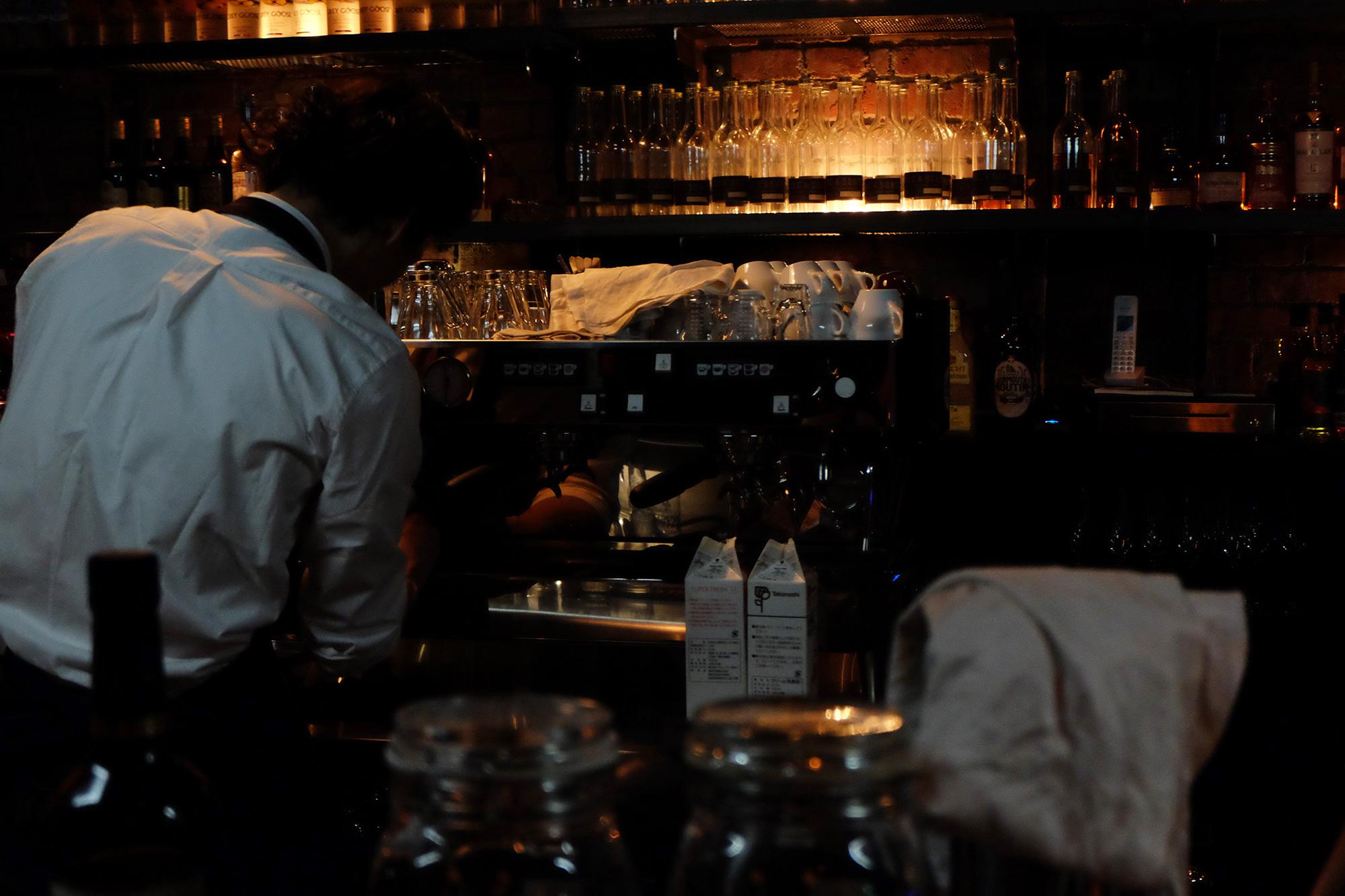 美味しいコーヒーを求めて。わざわざ行きたい大阪・北浜のカフェ・コーヒースタンド INC&SONS インク&サンズ
