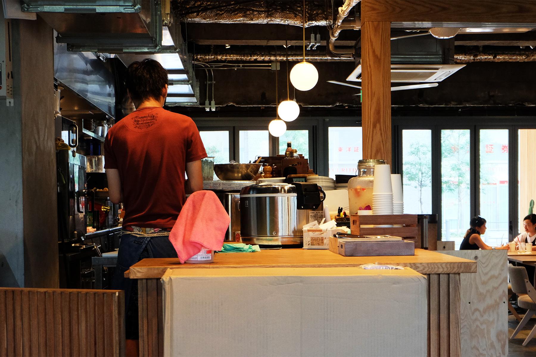 美味しいコーヒーを求めて。わざわざ行きたい大阪・北浜のカフェ・コーヒースタンド アンド アイランド (& ISLAND)