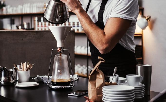 これ1台で全て解決!分量や抽出時間を教えてくれるスマート・コーヒーメーカー「GINA」