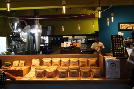 manu coffee roasters クジラ店