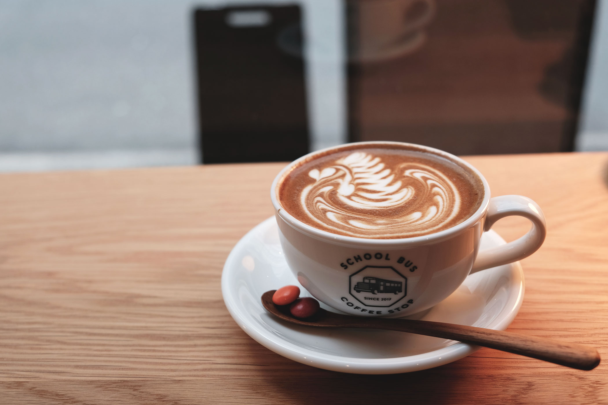 わざわざ行きたい大阪・北浜のカフェ・コーヒースタンド SCHOOL BUS COFFEE STOP