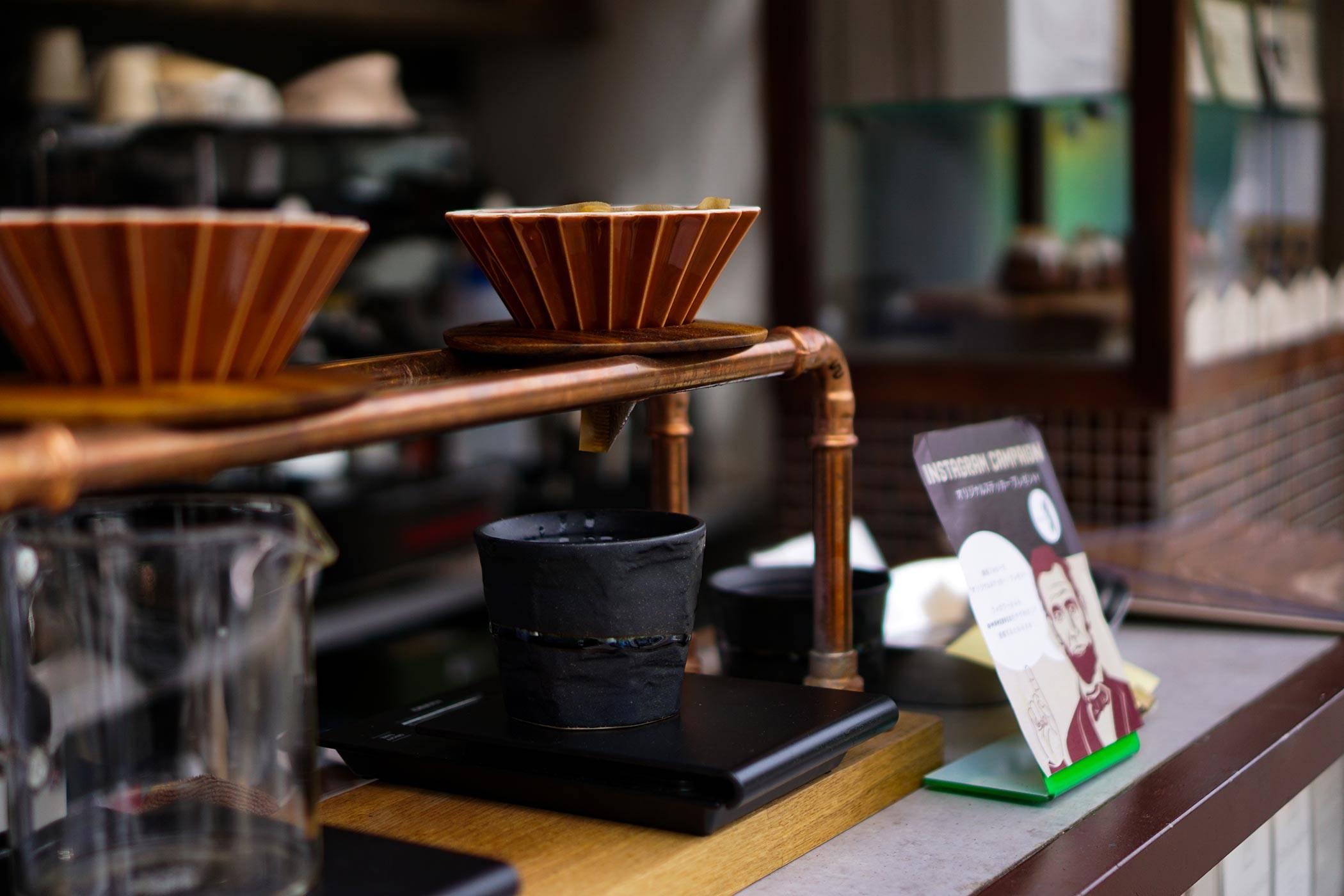 MAMEBACO (マメバコ) 京都 わずか1坪の街に溶け込むコーヒースタンド